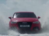 La nouvelle Audi RS3 défie un SpeedBoat !
