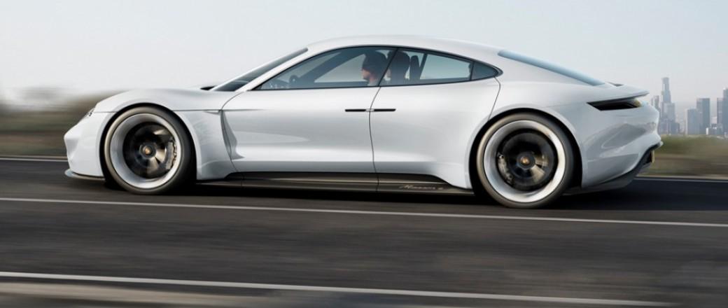 Porsche : Concept Mission E