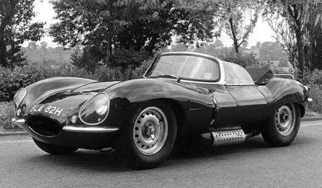 Jaguar XKSS de 1957 de course et homologuée pour la route