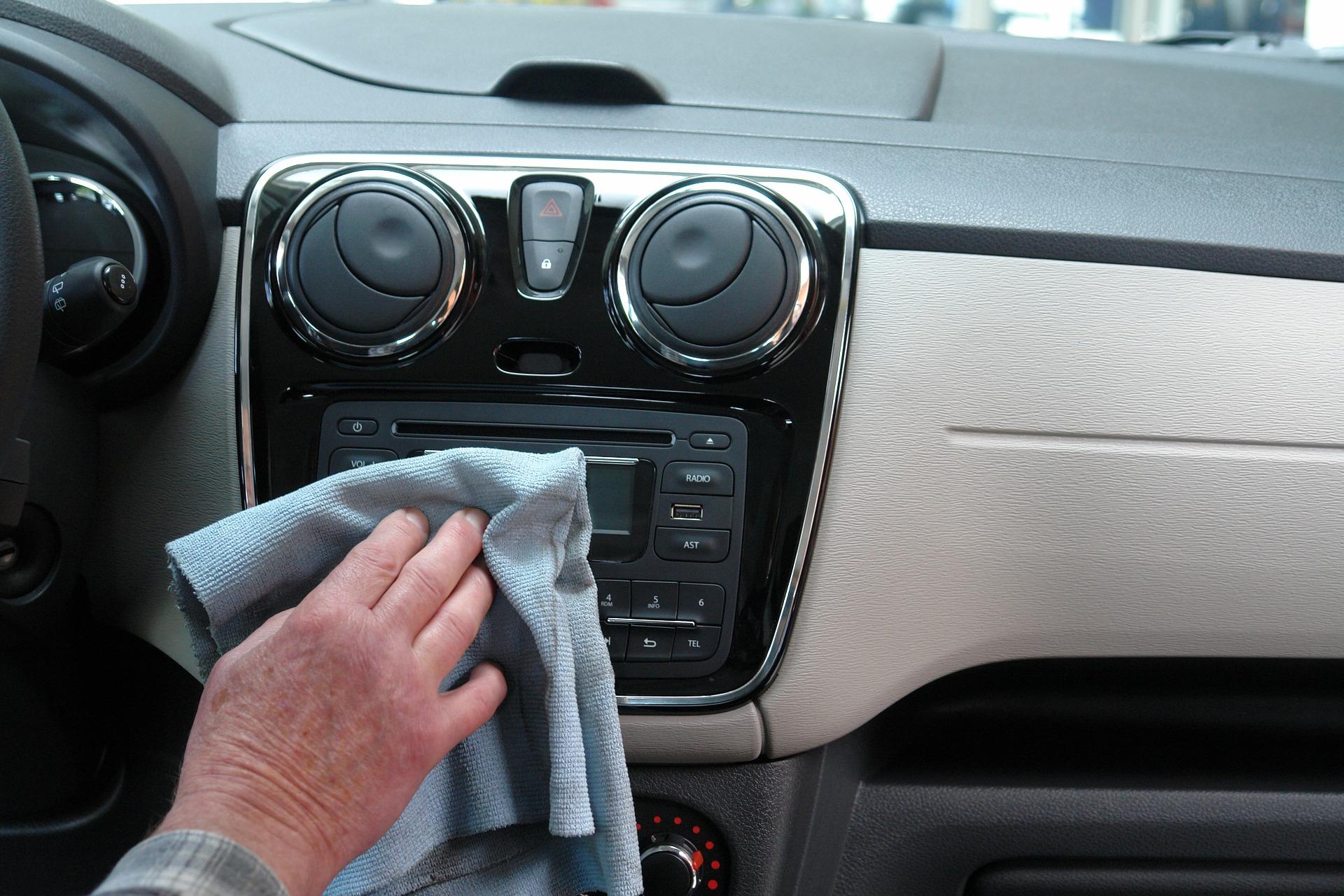 comment nettoyer votre voiture avec des produits naturels. Black Bedroom Furniture Sets. Home Design Ideas