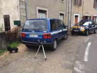 Un homme maquille sa 806 en véhicule de gendarmerie