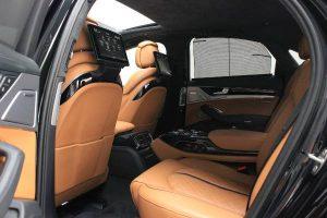 intérieur arrière Audi S8 Plus en vente aux enchères