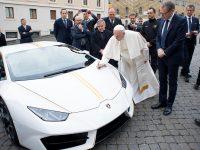 Une tombola pour gagner la Lamborghini du Pape