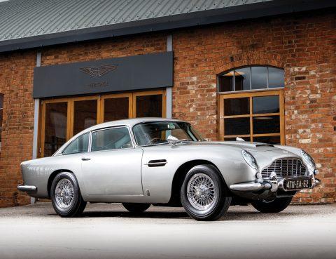 L'Aston Martin DB5 de James Bond vendue pour 5,75 Millions d'Euros