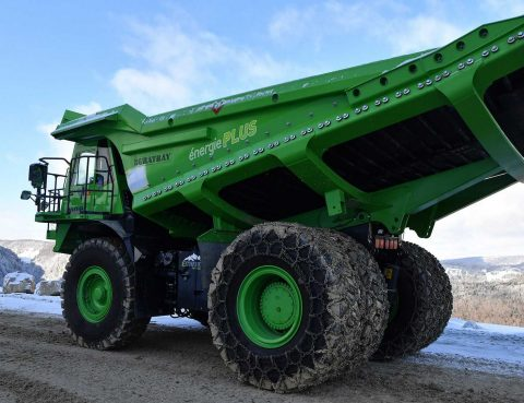 Un véhicule électrique de 45 tonnes qui n'a pas besoin d'être rechargé